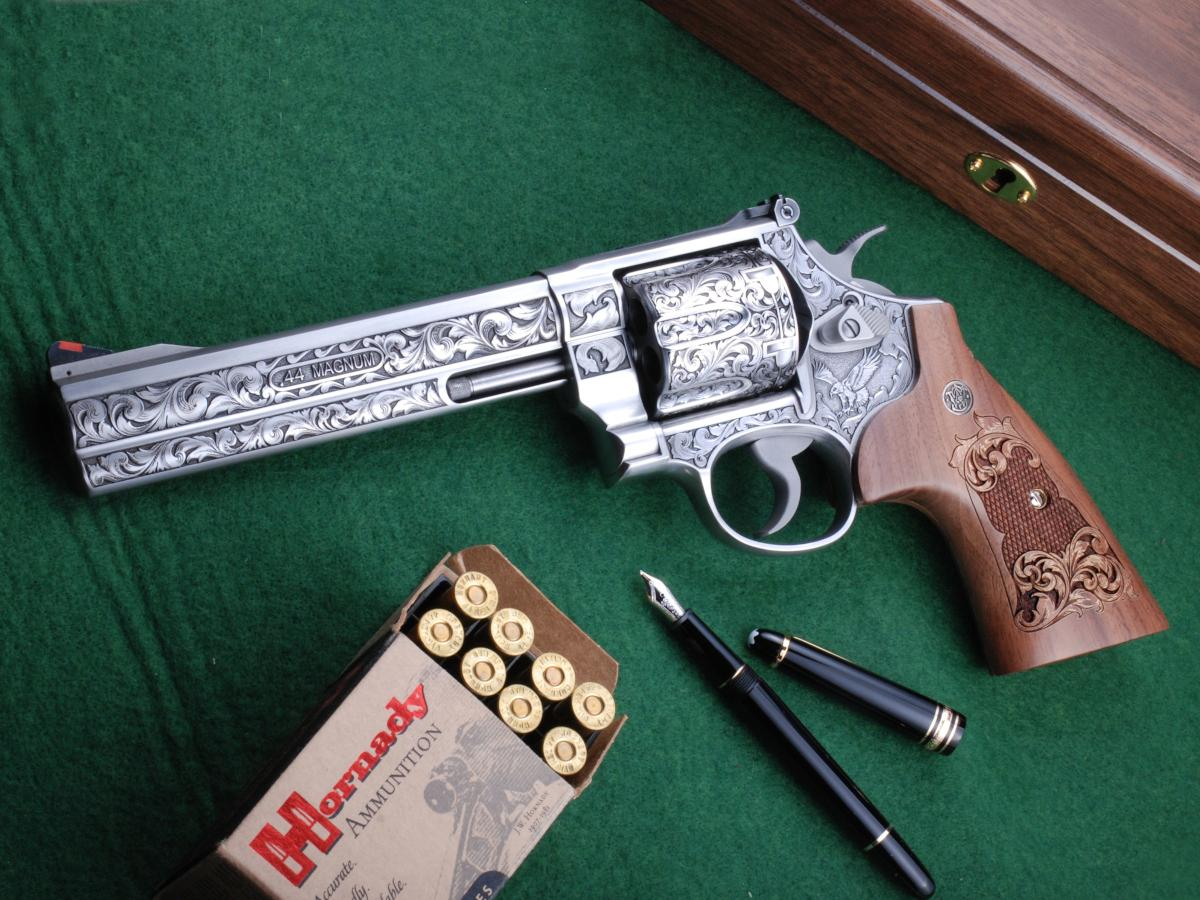 Altamont The Rising Eagle Engraved S&W 629
