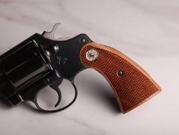 Colt D-Frame (Short Square Butt) Classic Panel American Walnut Checkered with Silver Medallions