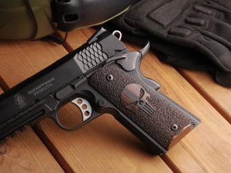 1911 Govt. Tactical Panel Desert Earth G10 Stippled Punisher