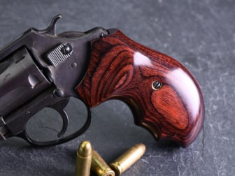 Charter Arms Oversize Fingergroove Super Rosewood Checkered