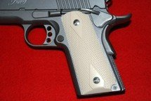 Colt 1911 Officer Classic Panel, Checkered, Bonded Ivory