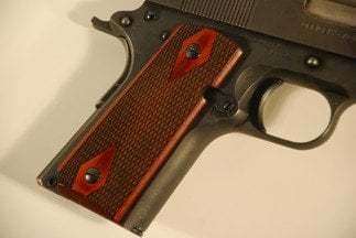 Colt 1911 Officer Classic Panel, Super Rosewood, Laser Checkered