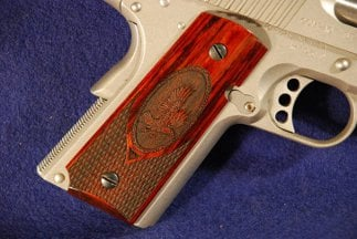 Colt 1911 Officer Classic Panel, Super Rosewood, Rising Eagle