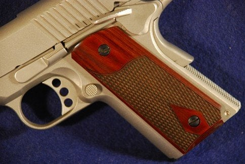 Colt 1911 Officer Classic Panel, Super Rosewood, Checkered