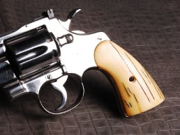 Colt Python Classic Panel Aged Ivory