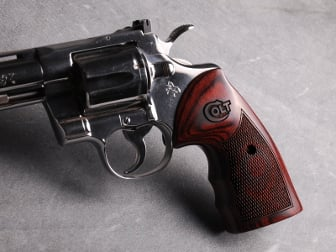 Colt Python Oversized Fingergroove Super Rosewood Checkered with Laser Logo