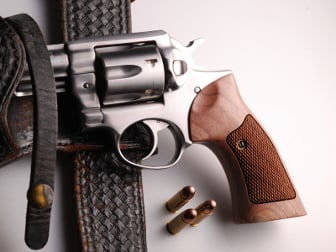 Ruger GP-100 Target American Walnut Checkered