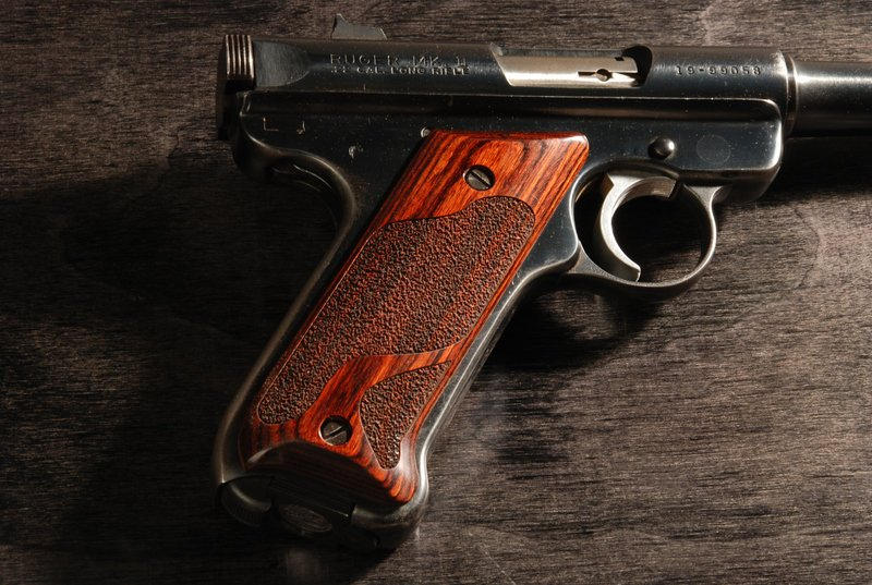 Ruger Mark II Classic Panel Super Rosewood Stipple